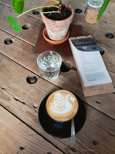 skog cafe brno coffee flat white