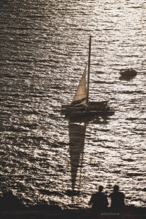 sunset-santorini-lighthouse-04