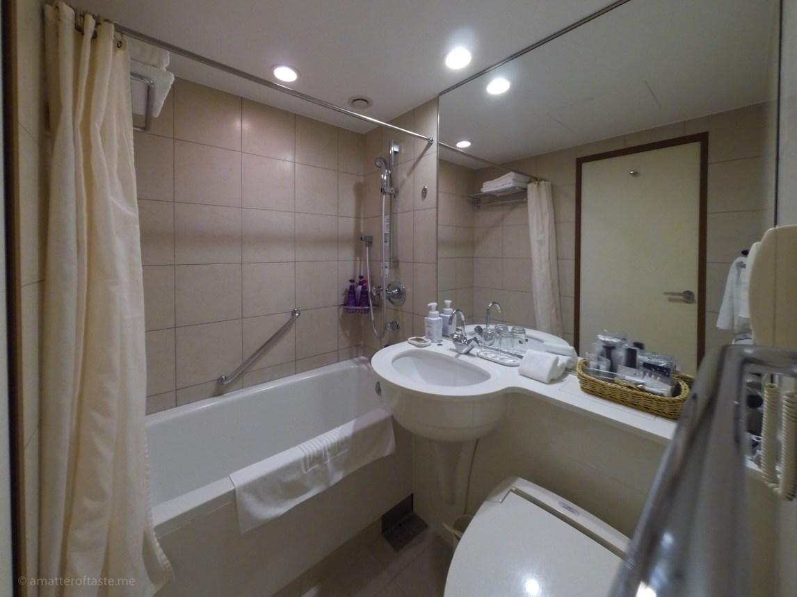 business hotel japan bathroom