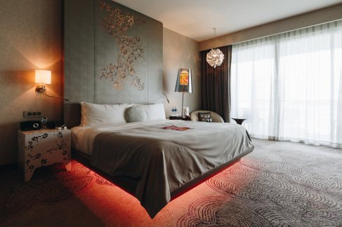 w-singapore-fabulous-bed