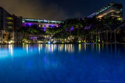 w-singapore-night