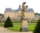 Vaux le Vicomte is stone's throw from Paris. If I could chose where to live, this would be it.