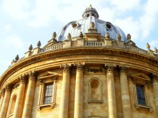 A view of the Oxford Camera I snapped around midday in summer. https://amaviedecoeurentier.wordpress.com/2015/01/28/papa-bouilloire-chapter-3-continued/