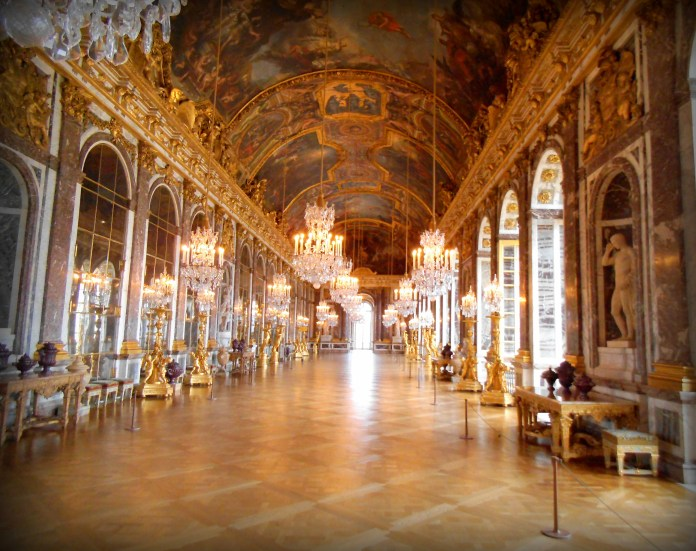 Miss H, Kitty and I stood alone in the Galerie de Glace in Versailles. How were we there alone? That is our little secret...as is the object of the poem.