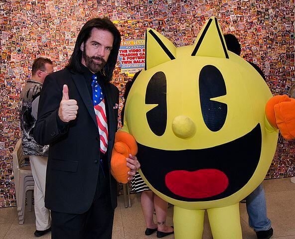 Billy Mitchell with pac man