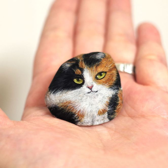 Artist Paints Found Stones That Look Like Real Long Haired Tortoiseshell Cat And I Hope They Make You Smile