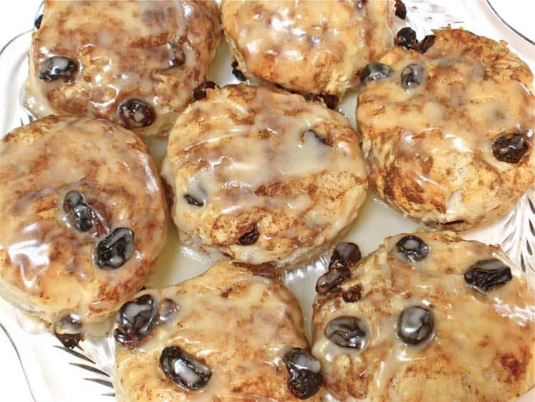 amazin' cinnamon raisin biscuits