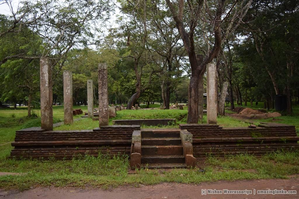 Ruins of building surrounding the Kuttam Pokuna