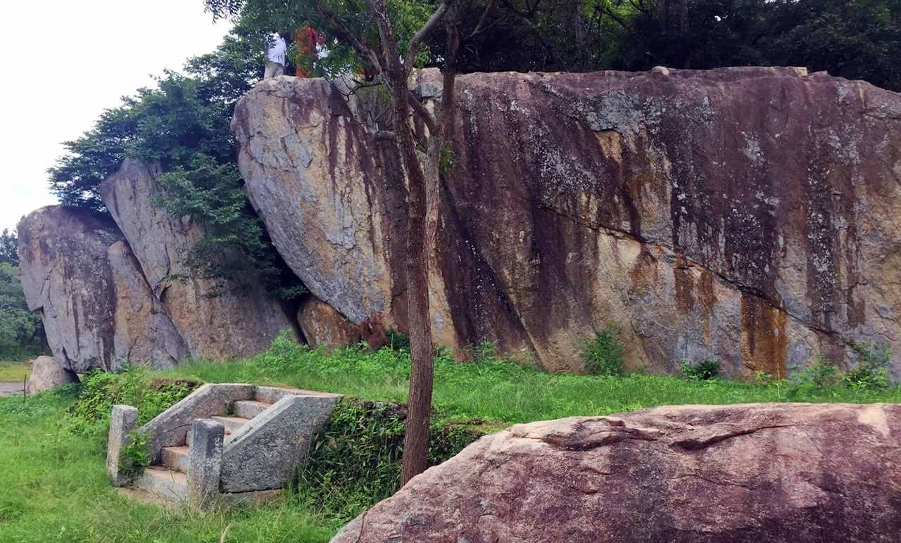Kaludiya Pokuna (Blackwater Pool) ruins of Mihintale