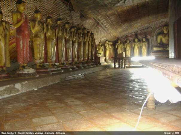 Rangiri Dambulu Viharaya / Dambulla Cave Temple - Cave 3 - Maha Aluth Viharaya