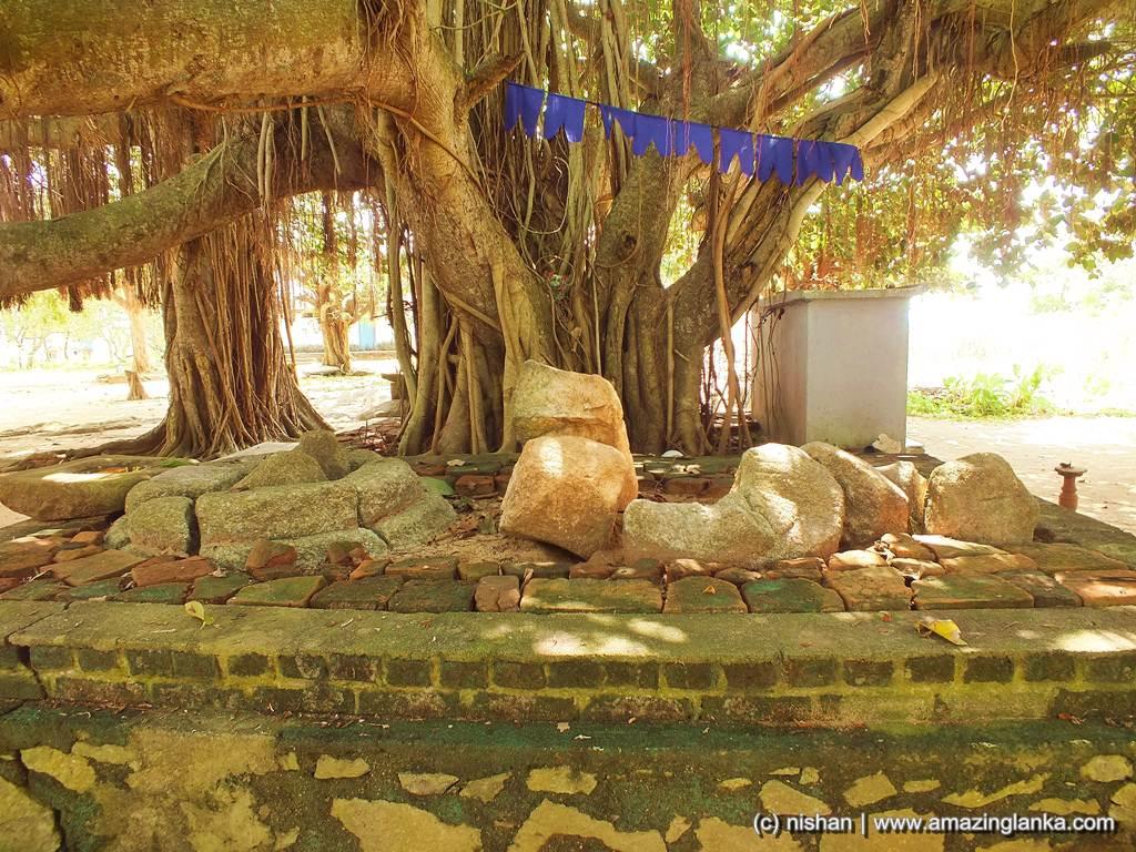 Broken Ruins - Ambalantota Gotha Pabbatha Rajamaha Viharaya