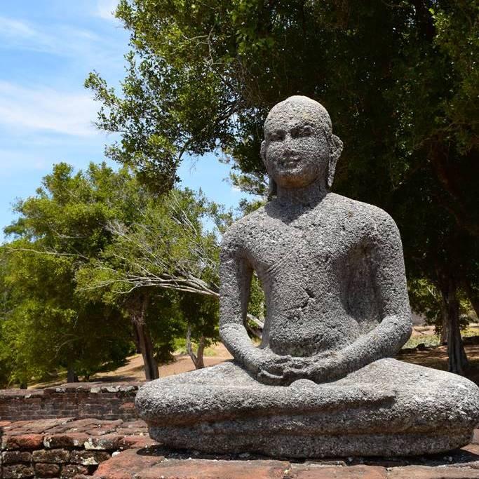 Samadhi Buddha statues at Pichcha Mal Viharaya at Medirigiriya Vatadage