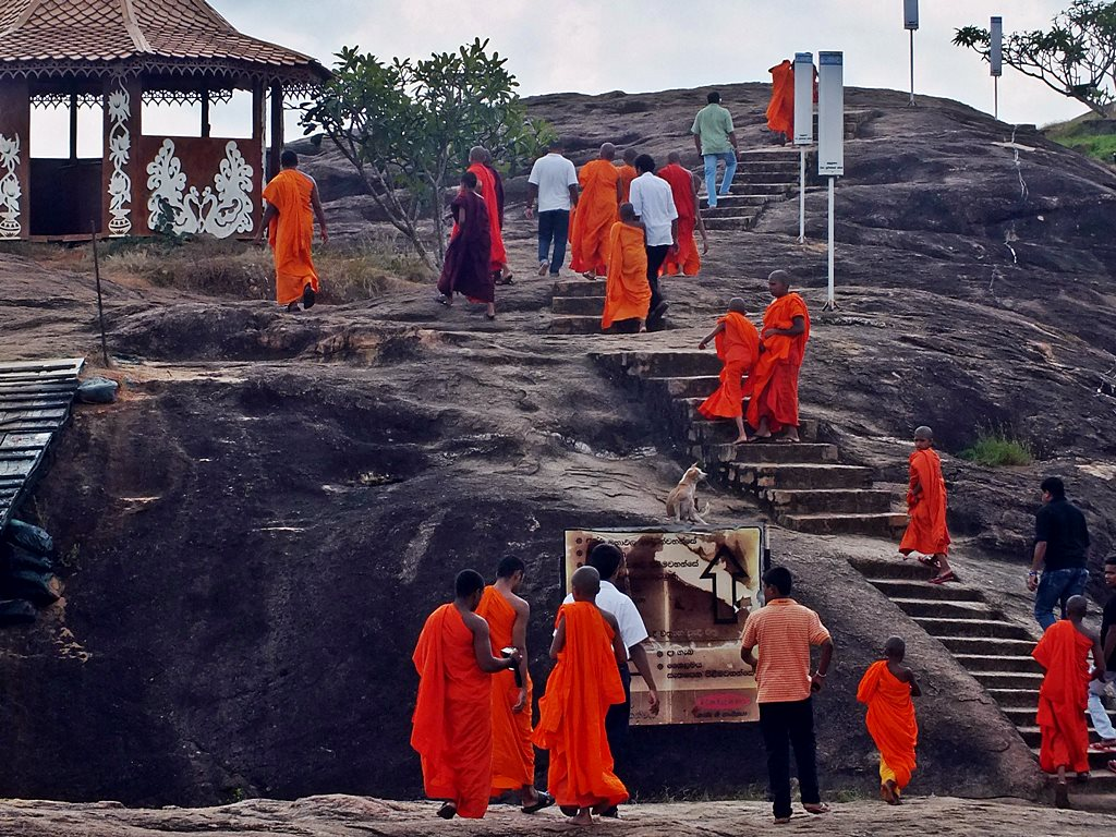 Novice Buddhist Priests on pilgrimage @ Thanthirimale Rajamaha Viharaya