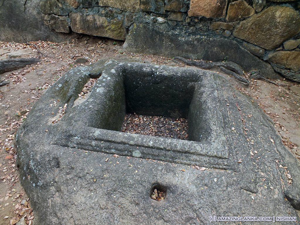 Ruins @ Thanthirimale Rajamaha Viharaya