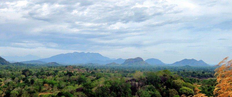 view from the summit of the hill - Wattarama Rajamaha Viharaya