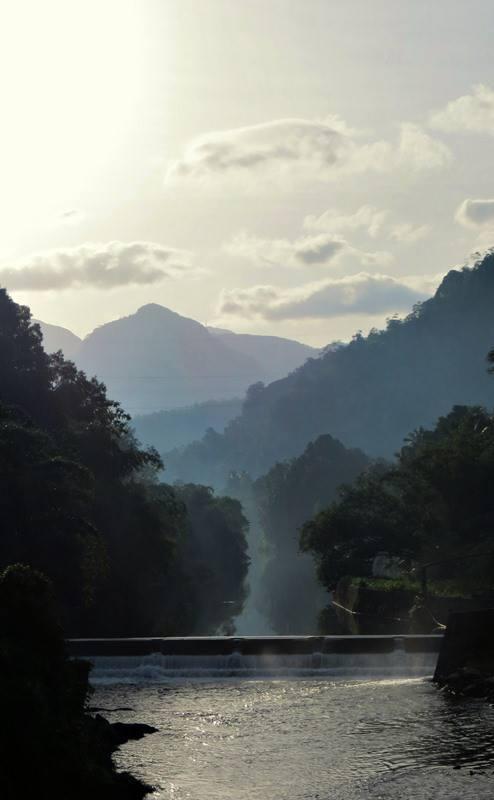 A dam across Wee oya on the way to Wee Oya Ella
