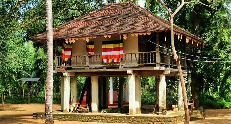 The high platform Tampita Viharaya at Kadawalagedara Sri Sugatharamaya Rajamaha Viharaya
