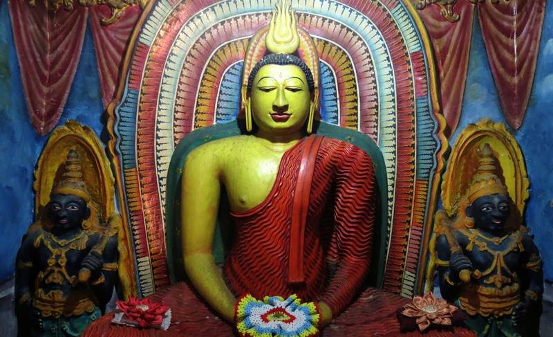 Inside the Tampita Viharaya of Dalukgolla Sri Purwarama Rajamaha Viharaya