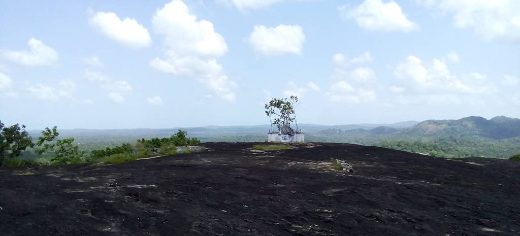 At the top of the Seelawathi Rajamaha Viharaya