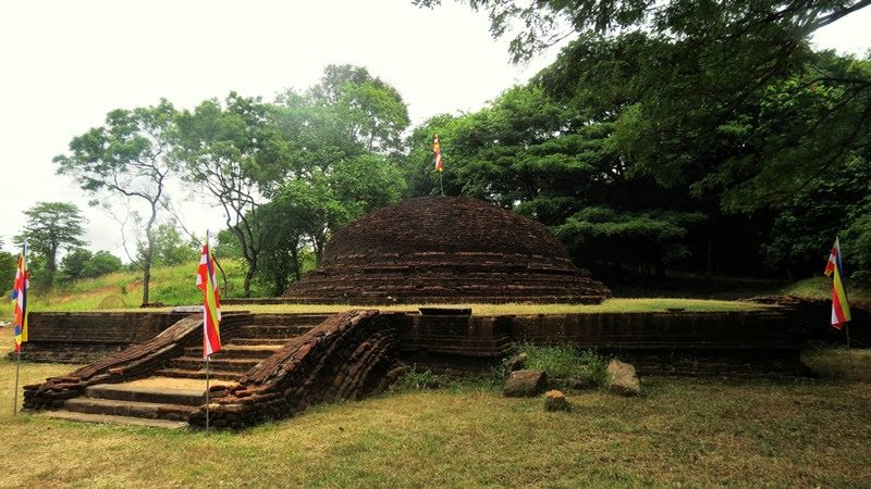 The smaller stupa at the foot of the mountain - Upulwehera Archaeological Site
