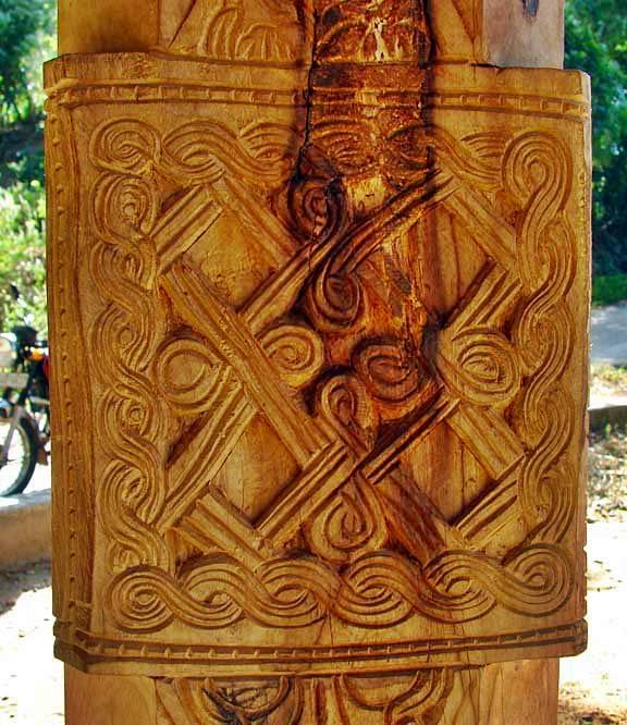 Wood carvings on the Kevulgama Ambalama