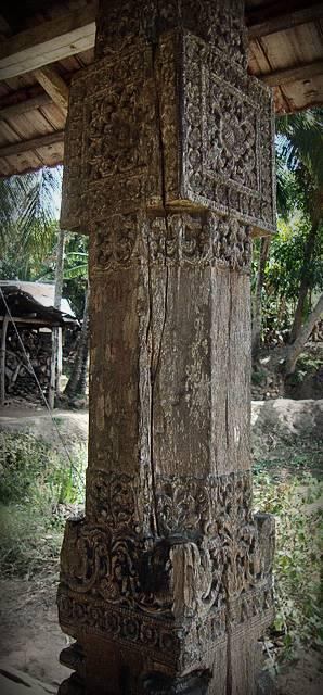 Pillar cavings of Marassana Ambalama
