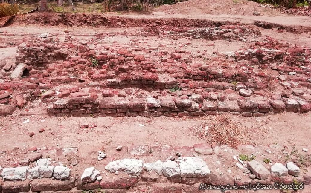 මන්නාරම මුරුන්ගන් රජමහා විහාරය පුරාවිද්යා නටබුන් - Ruins of the Murungan Rajamaha Viharaya in Mannar