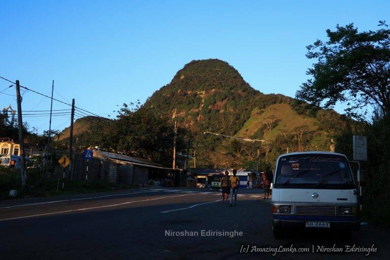 මැදමහනුවර හුන්නස්ගිරිය කන්දේ බලකොටුවේ ණටබුන්  -  Ruins of the Ancient Fort on Hunnasgiriya Kanda Mountain in Medamahanuwara