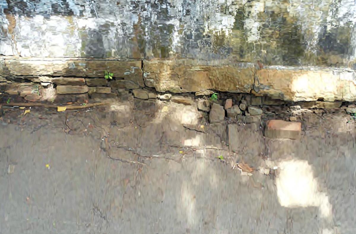 දළදා මාලිගාවක් වූ කෑගල්ල බෙලිගල පර්වතයේ නටබුන් නිවාස සැදීමට භාවිතා කොට ඇති අයුරු - Archaeological Ruins of Beligala Rock