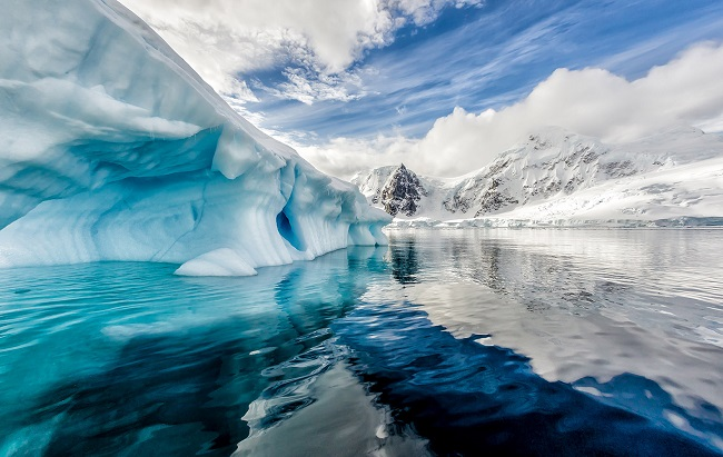 10 Fascinating Wonders of Antarctic, the World's Most Mysterious Continent