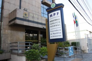 Maus Caminhos: MPF denuncia advogado Lino Chíxaro por desvios em contratos de serviços advocatícios no AM