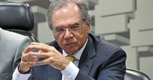 Ministro da Economia promete reduzir pela metade o preço do gás de cozinha