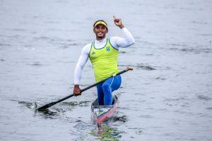 Brasil é ouro na canoagem velocidade e no triatlo revezamento misto
