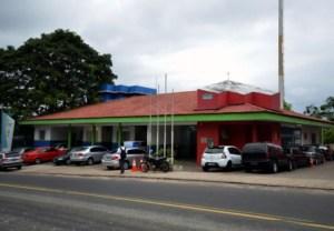 Trio é preso suspeito de agir com violência em roubo em loja de Manaus