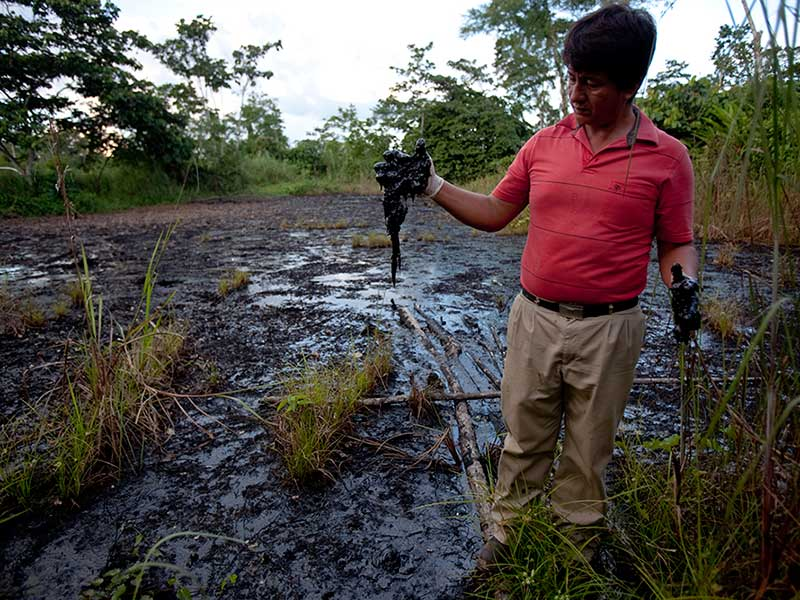 https://i2.wp.com/amazonwatch.org/assets/images/thumbs/2015/0904-ecuadoreans-can-sue-chevron-in-canada-supreme-court-rules.jpg