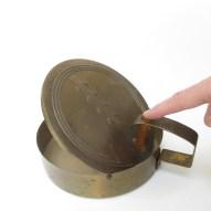 vintage-bakelite-handle-crumb-catcher-art-deco-style-4