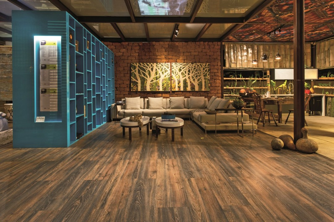 piso-laminado-elegance-black-oak