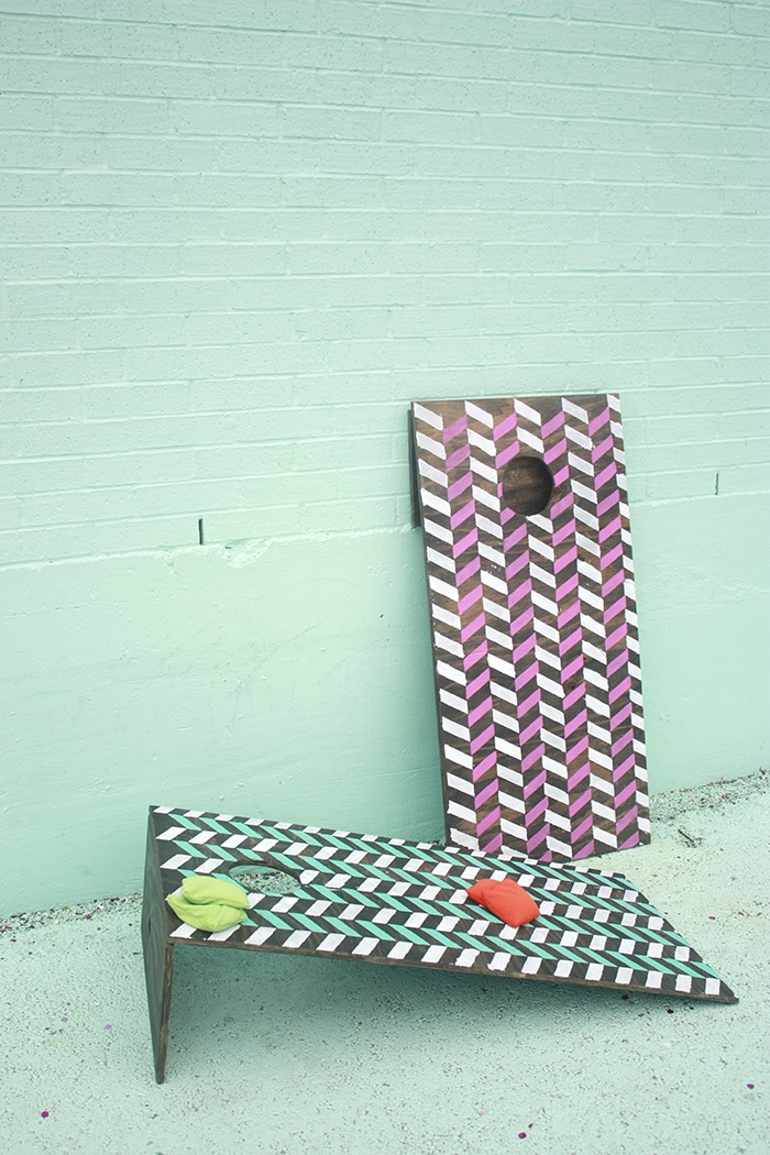 DIY Cornhole boards that are collapsable and lightweight! // Amber-Oliver.com
