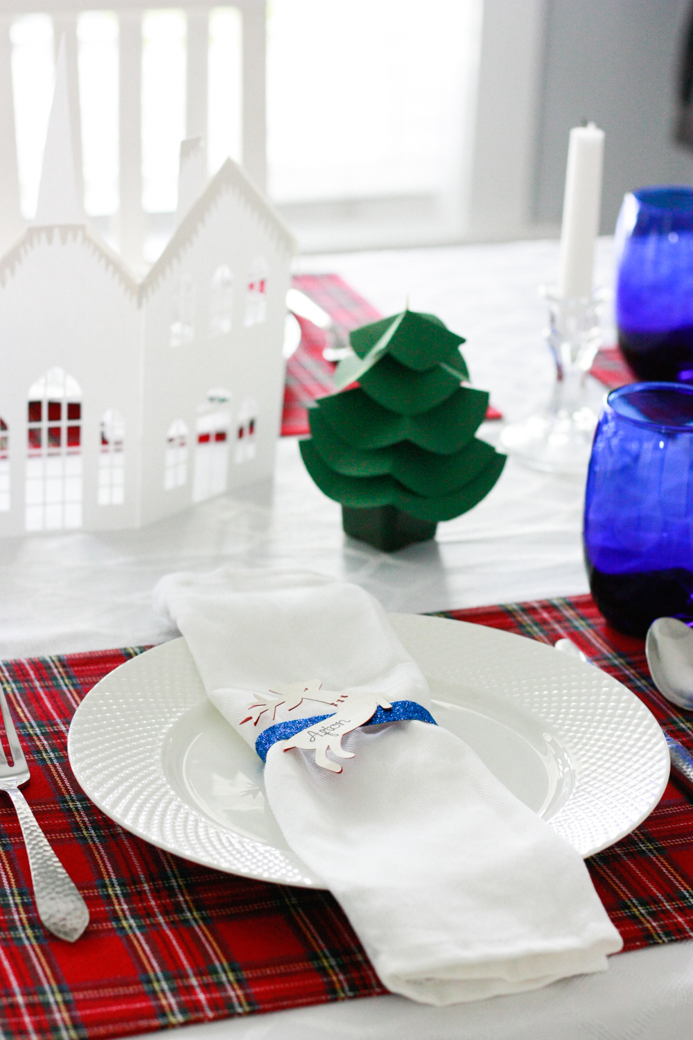 Holiday Dinner Party with Cricut
