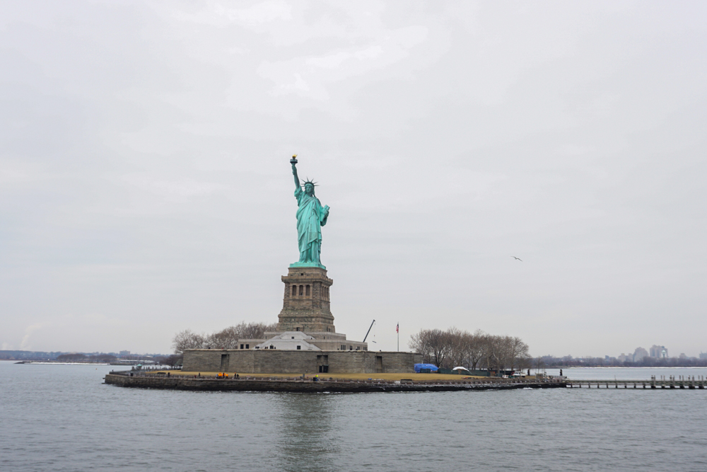 Oliver's Travels: NYC - What to do in NYC, What to see in NYC, Where to stay in NYC, What to eat in NYC! The statue of Liberty