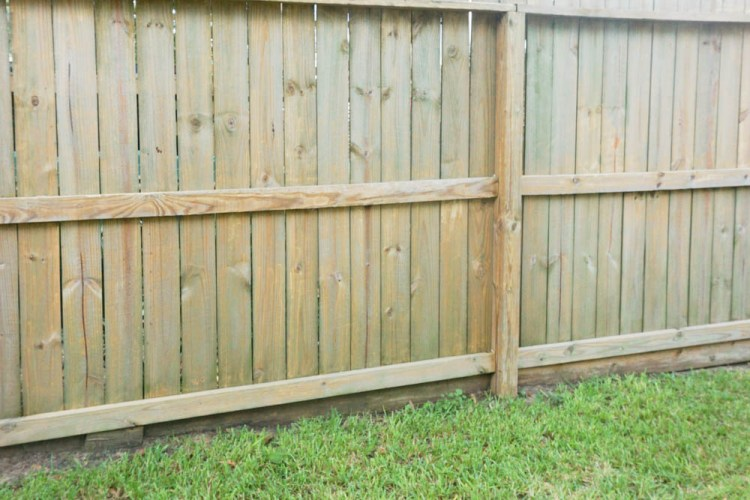 How To Clean Wood Fence – Cleaning with the WORX Hydroshot!