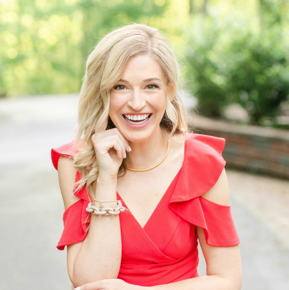 Courtney-Love-Gavin-Expert-Publicist-PR-Strategy-PR-Plan-Like-A-Pro-Headshot