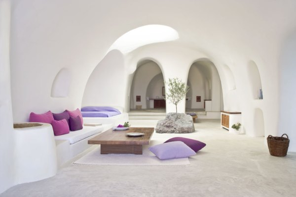 Amberlair Crowdsourced Crowdfunded Boutique Hotel - Meet boutique hotel blogger Stephanie Bonnet of From the Poolside blog at Perivolas Hotel in Santorini Greece #boholover