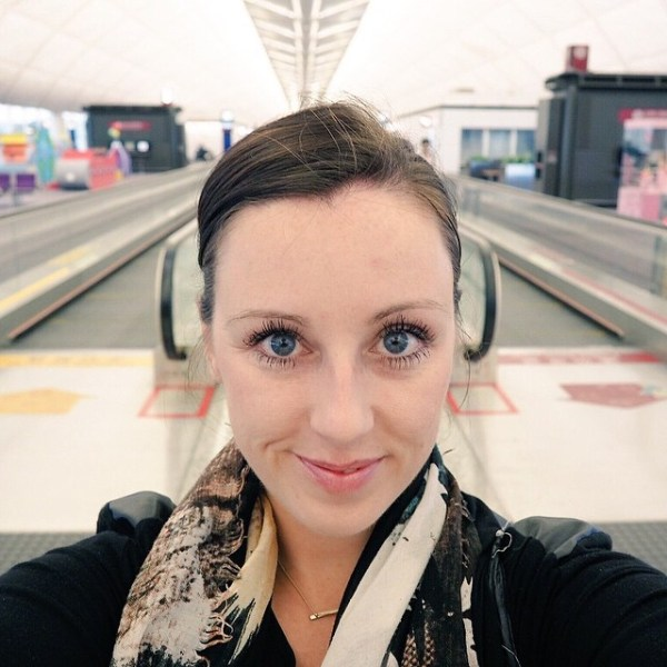 Amberlair Crowdsourced Crowdfunded Boutique Hotel - Meet travel blogger Jayne Gorman of Girl Tweets World at the airport #boholover