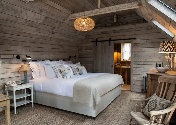 Amberlair Crowdsourced Crowdfunded Boutique Hotel - The art of sleep – The importance of beautiful beds in boutique hotels