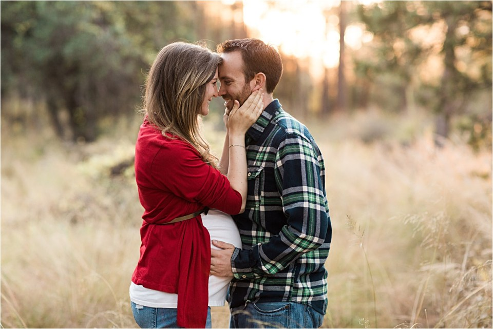 maternity_mount-lemmon_holding-hands_plaid-shirt_red-sweater_09