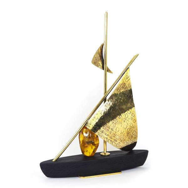 amber-figure-the-boat-2