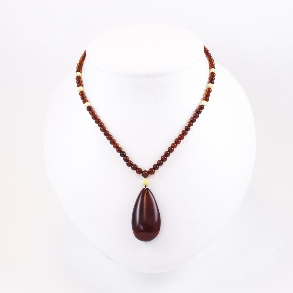 natural-baltic-amber-necklace-raindrop