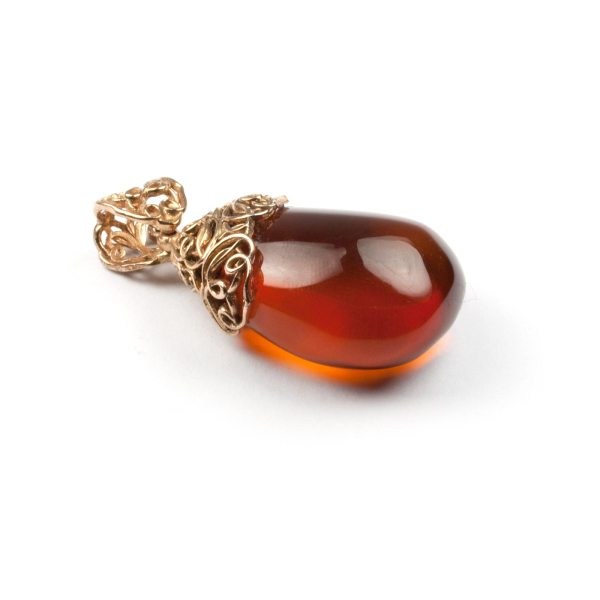 pendant-from-natural-baltic-amber-mystery-leftside