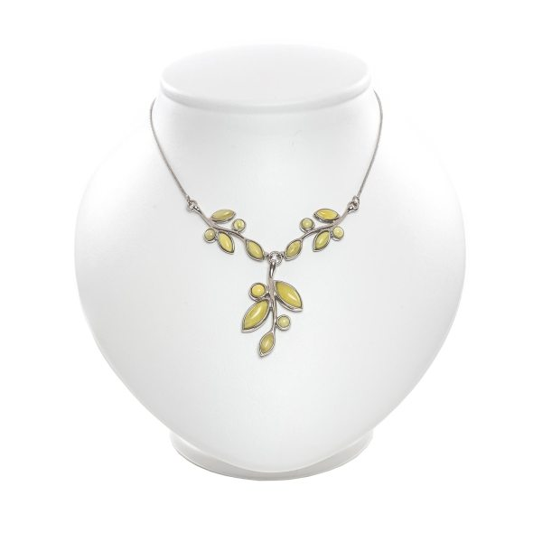 silver-necklace-with-natural-baltic-amber-flawless